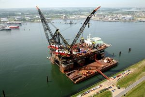 Heerema to supply world's largest crane vessels with shore power